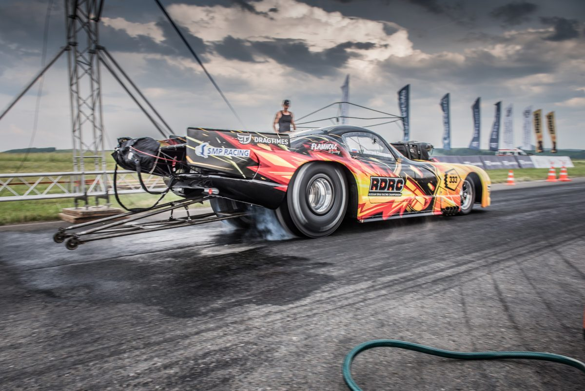 Dodge Viper Is Burning Up Russian Dragstrips Image 02