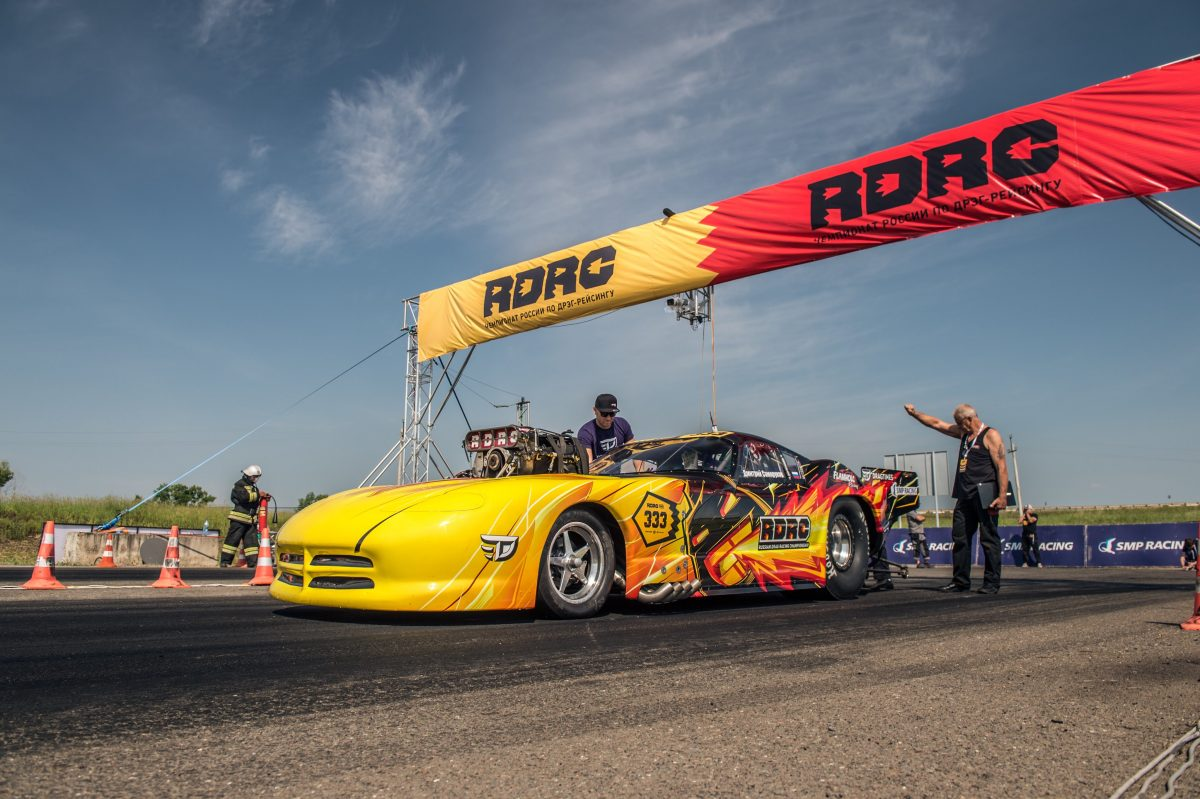 Dodge Viper Is Burning Up Russian Dragstrips