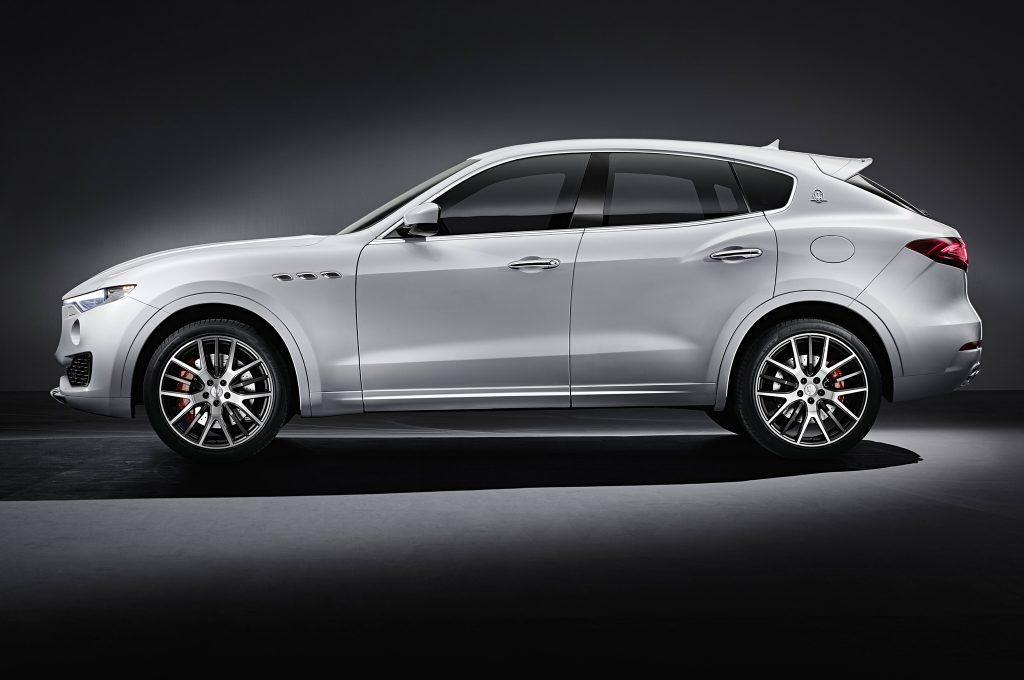 Maserati-Levante-side-view