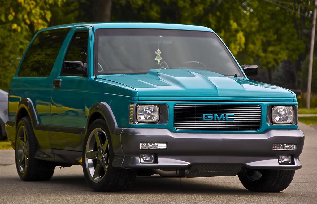 Classic SUV Models That Need Resurrecting - gmc-typhoon-06