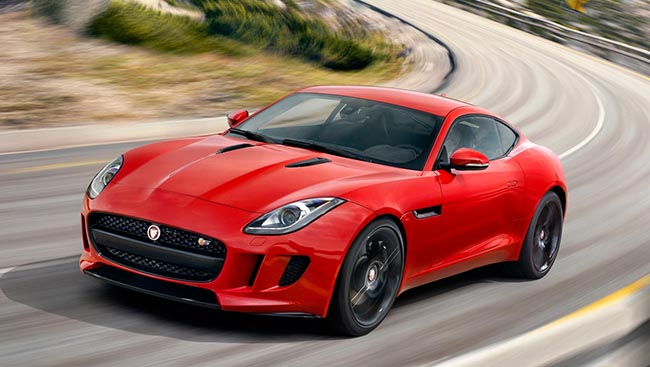 march2015_0022s_0002_2015-jaguar-f-type-s-coupe-front-end-in-motion