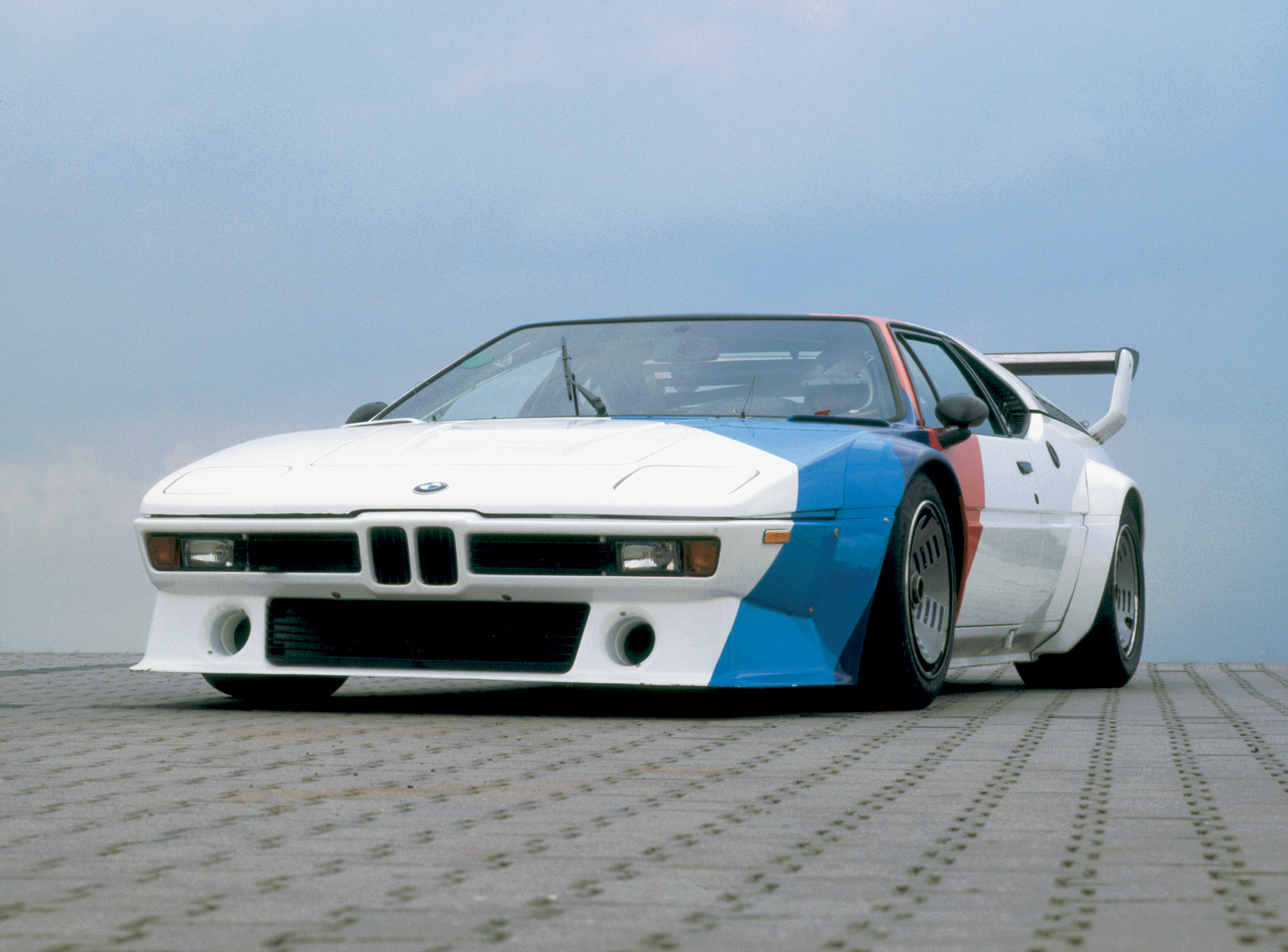 Cars With Pop Up Lights - BMW M1