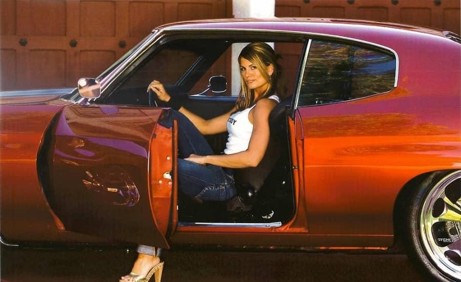 Hot Celebrities – Courtney Hansen Loves Muscle Cars