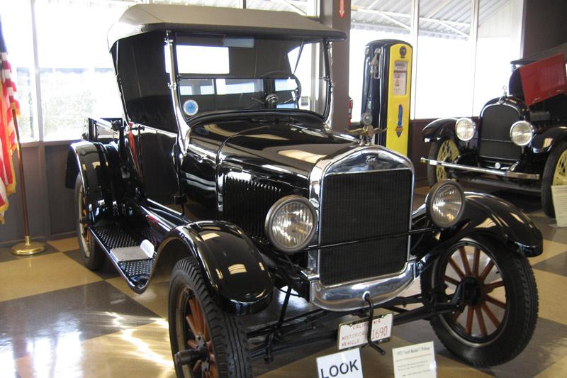 Badass Trucks & Cool SUVs - 1927-ford-model-t-pickup