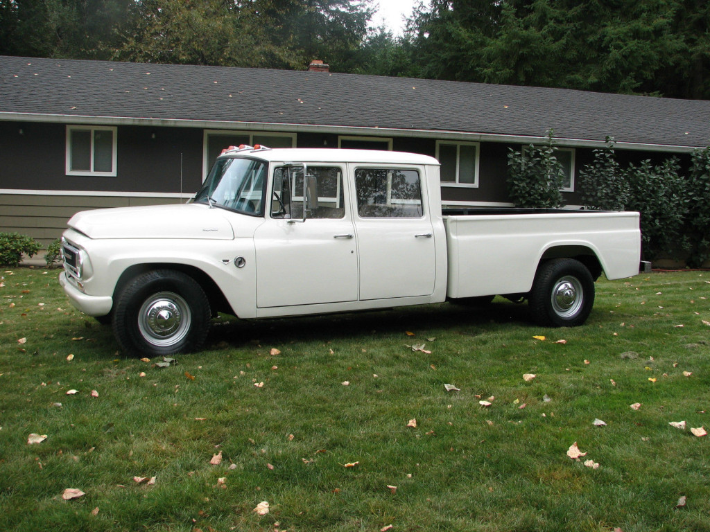Revolutionary Pickup Truck - 1967-IH-Travelette
