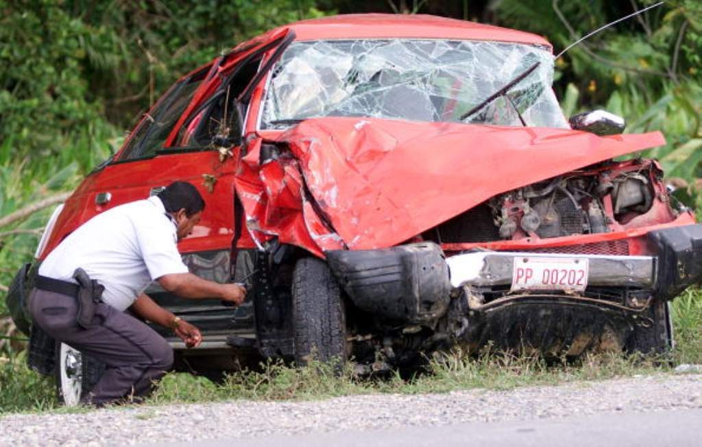 "LISA ""LEFT EYE"" LOPES car wreck"
