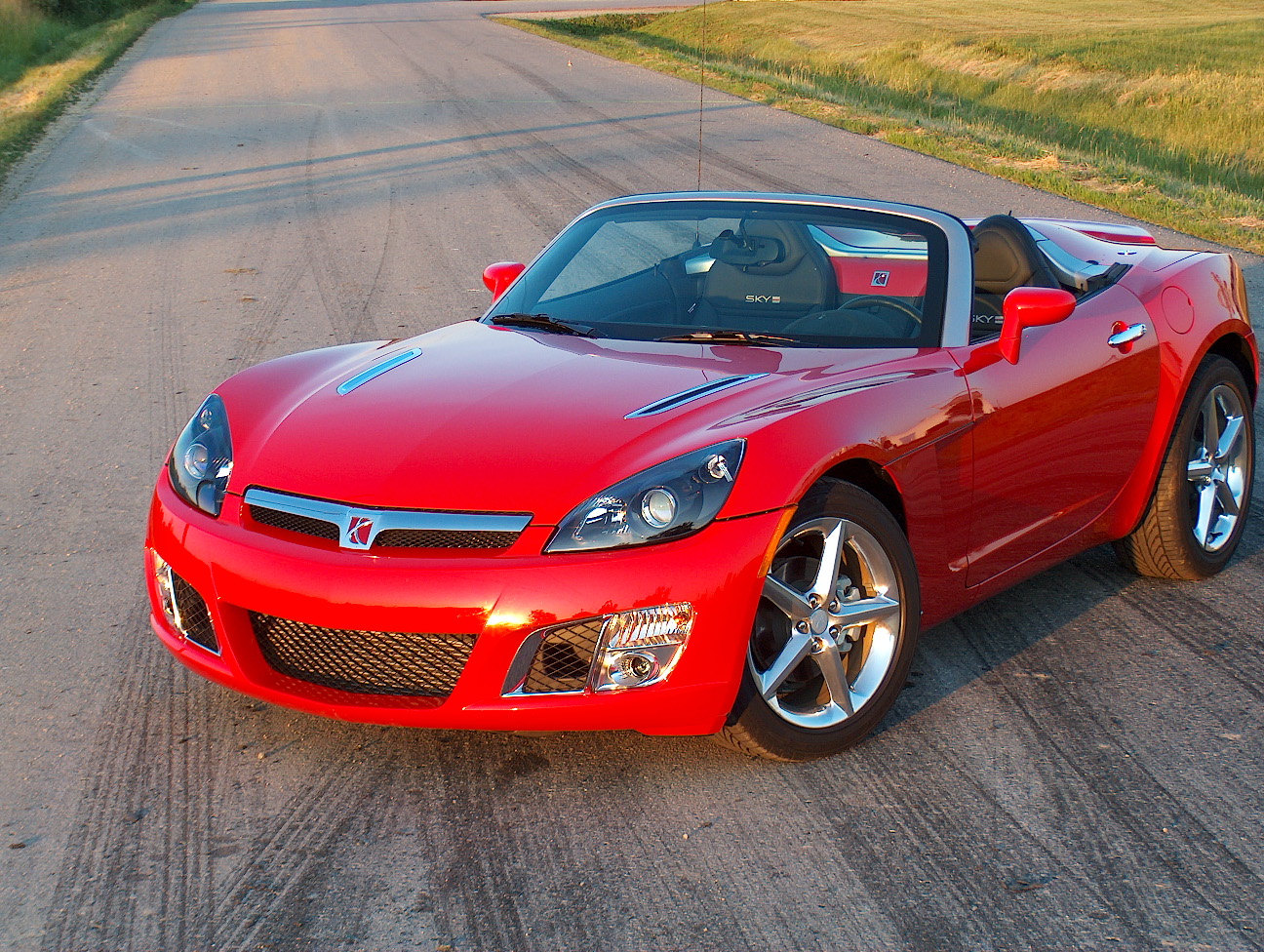 Discontinued Cars - Saturn Sky Red Line