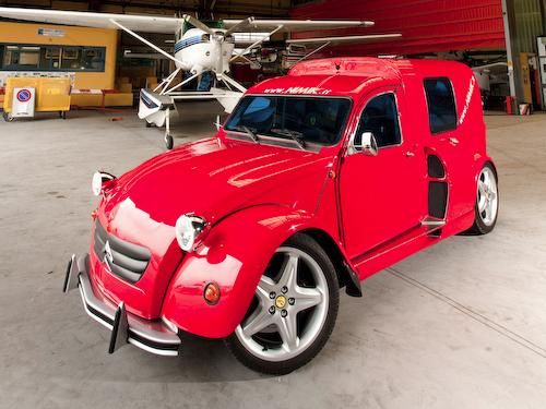 Citroën 2CV Fourgonnette with a V8 Ferrari Engine - Image 02
