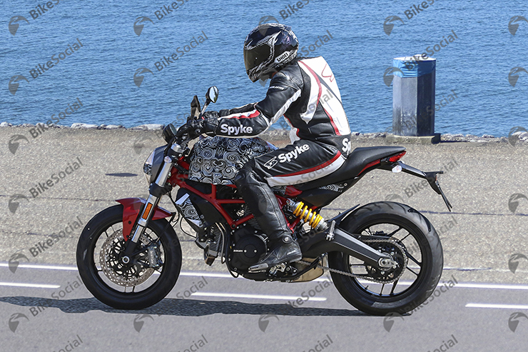 Spy Shot Ducati Monster 1