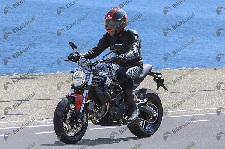 Spy Shot Ducati Monster 2