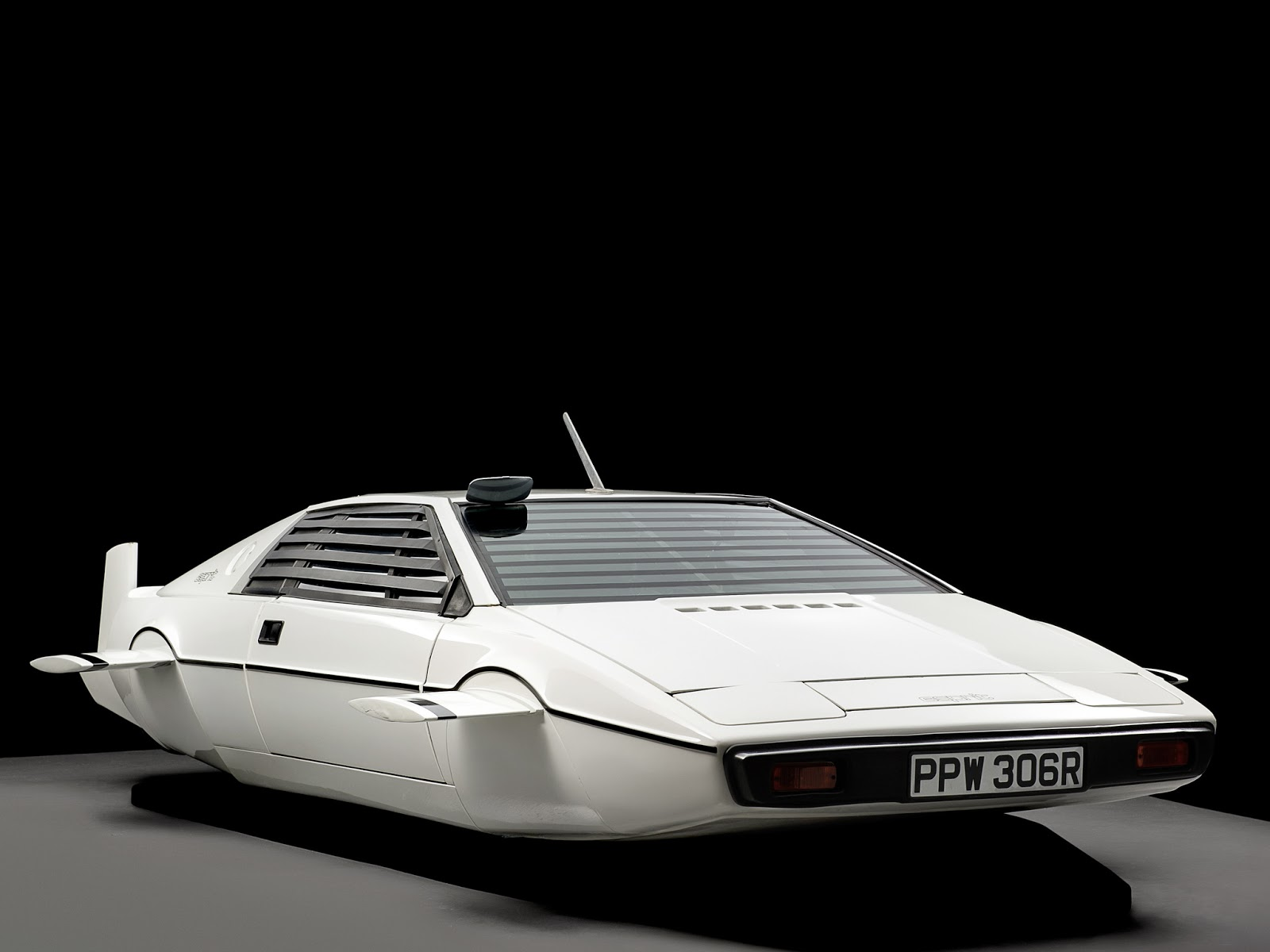 lotus_esprit_007_the_spy_who_loved_me_4
