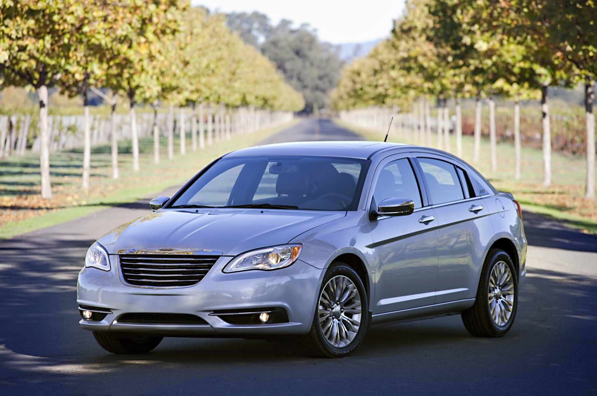 Facelift Cars - 2014 Chrysler 200