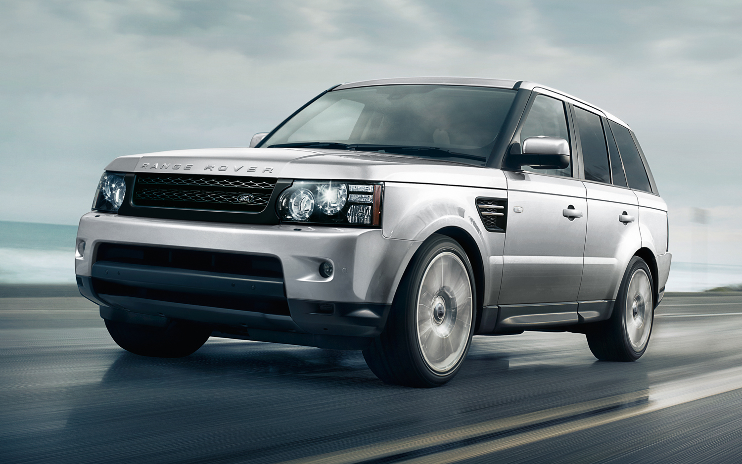Facelift Cars - 2013 Range Rover Sport HSE - Indus Silver