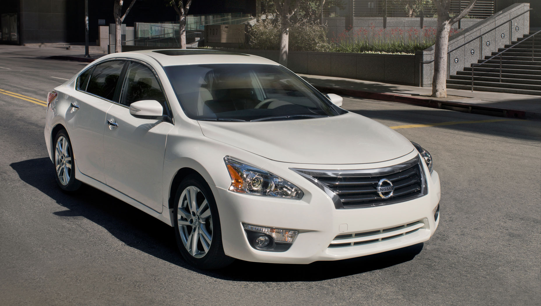 Facelift Cars - 2013-altima