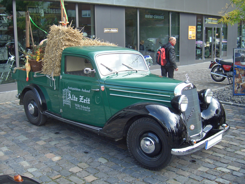 mercedes-benz_170v_pickup_w136_1936-1953_frontright_2009-10-04_u