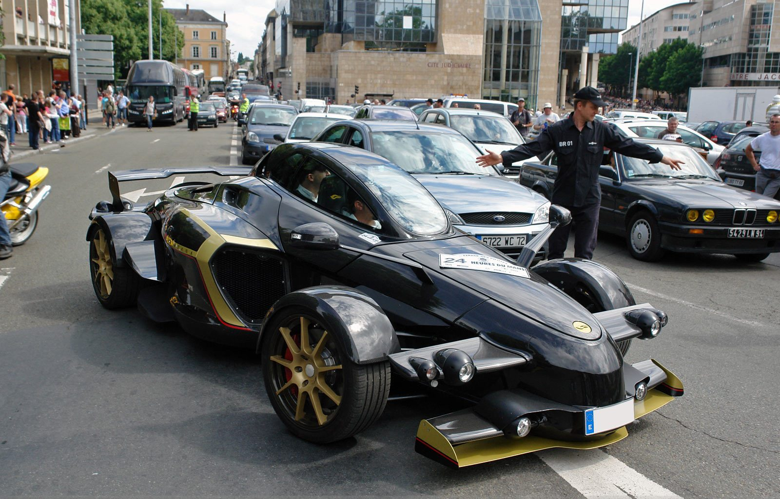 Ugly Supercars - Atelier Tramontana