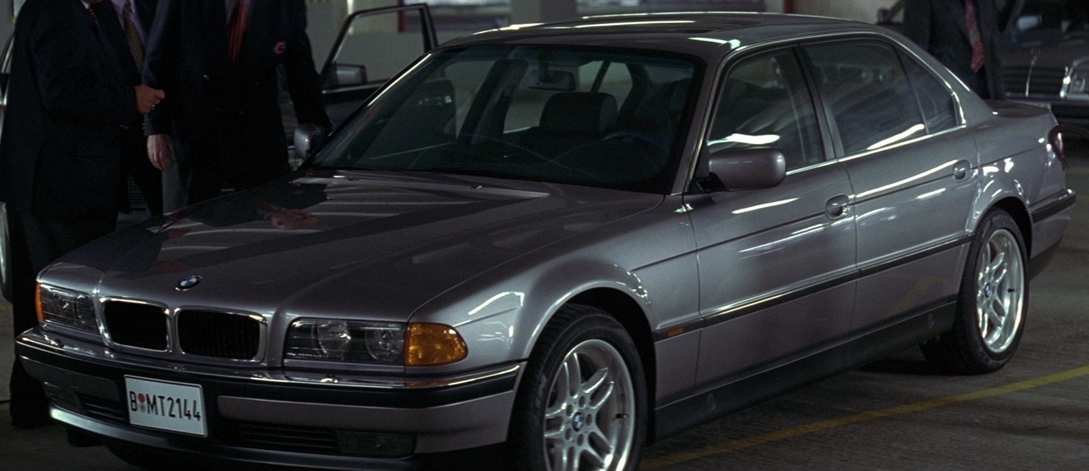 Affordable Bond Cars - bmw_750il