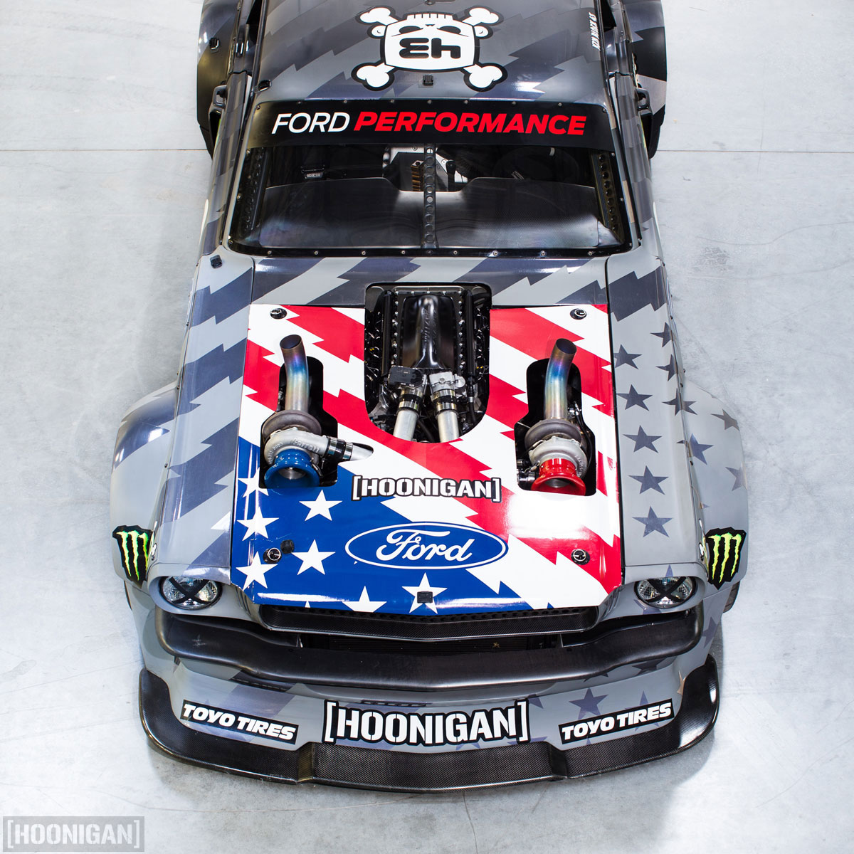 hoonicorn_v2_hood_on_1