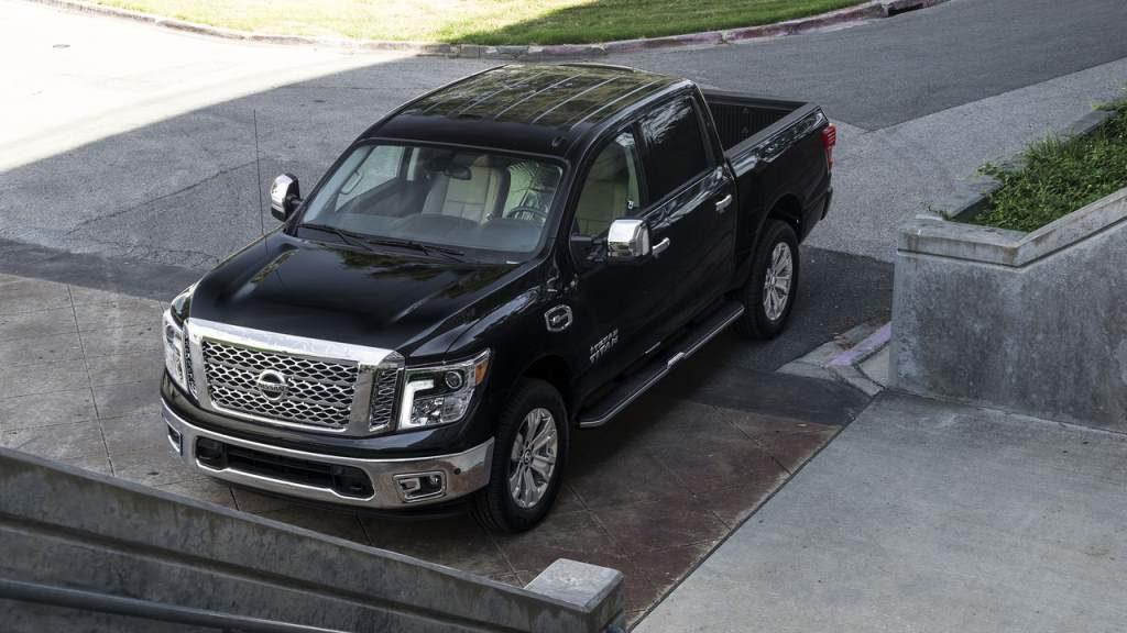 Nissan Titan Texas Edition Overhead 3/4