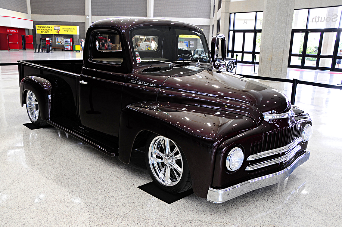 Restomod Trucks SEMA - 1952-international-pickup-1
