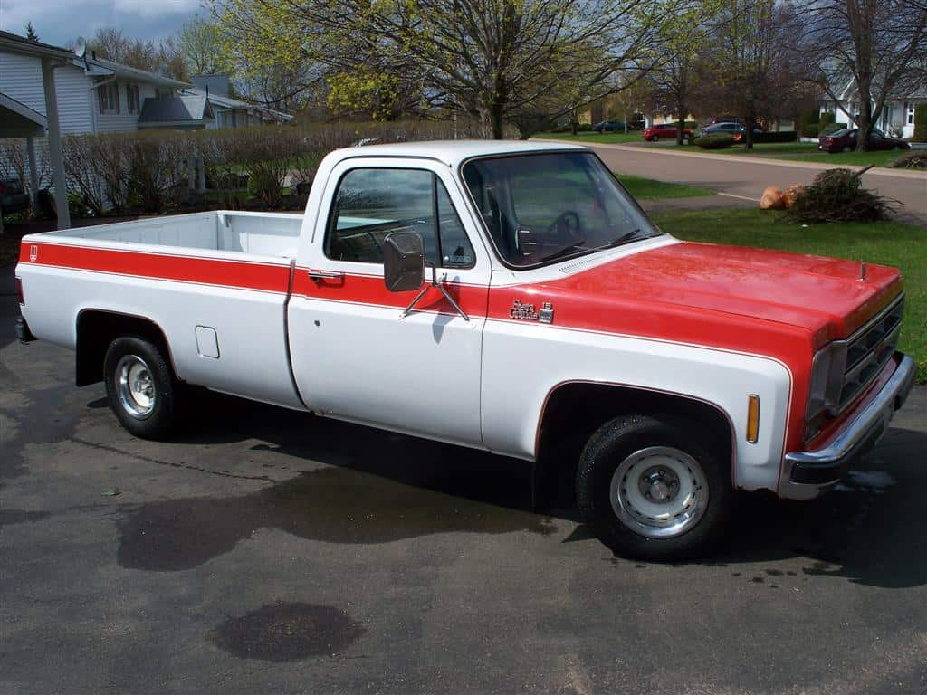 All Of 73 87 Chevy And Gmc Special Edition Pickup Trucks Part I 1983 Silverado Crew Cab The Whole Bed Truck Pictured Was Likely Replaced At Some Point Ive Found Versions With Square Gas Doors Too That Apparently Happens A