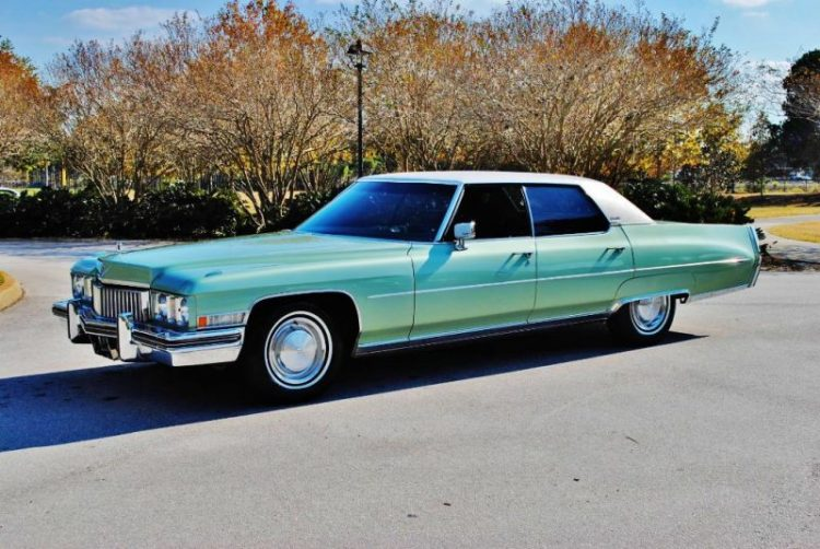 Best Classic Cars For Under $10,000 - Cadillac DeVille (4th Gen)