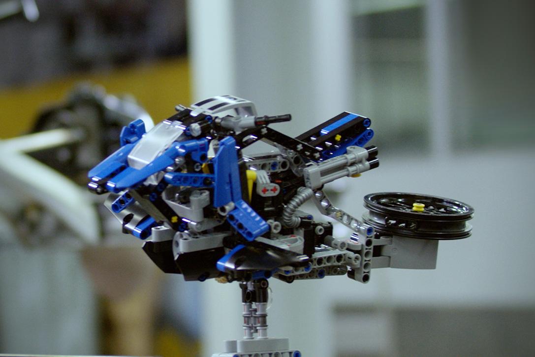 Lego BMW Hoverbike 7