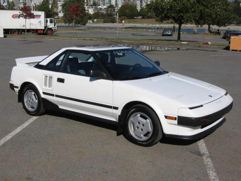 Best Classic Cars For Under $10,000 - Toyota MR2