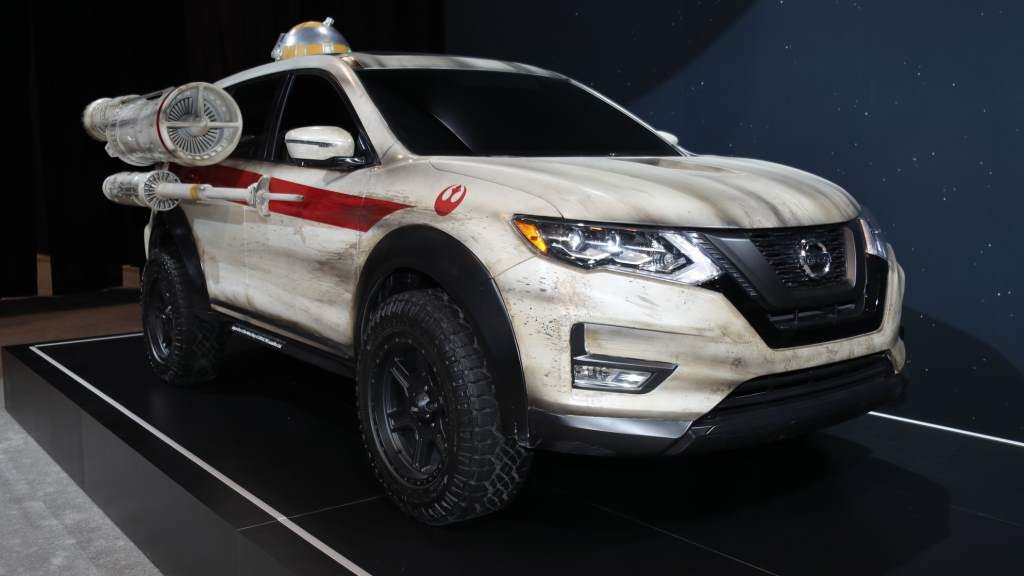 Nissan Rogue X-Wing Front 3/4