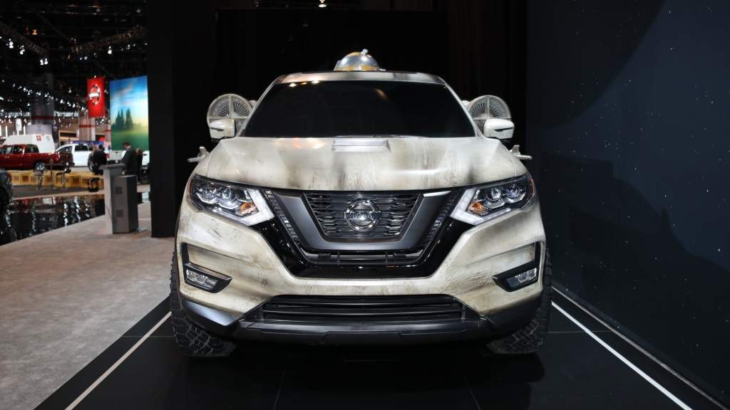 Nissan Rogue X-Wing Front View