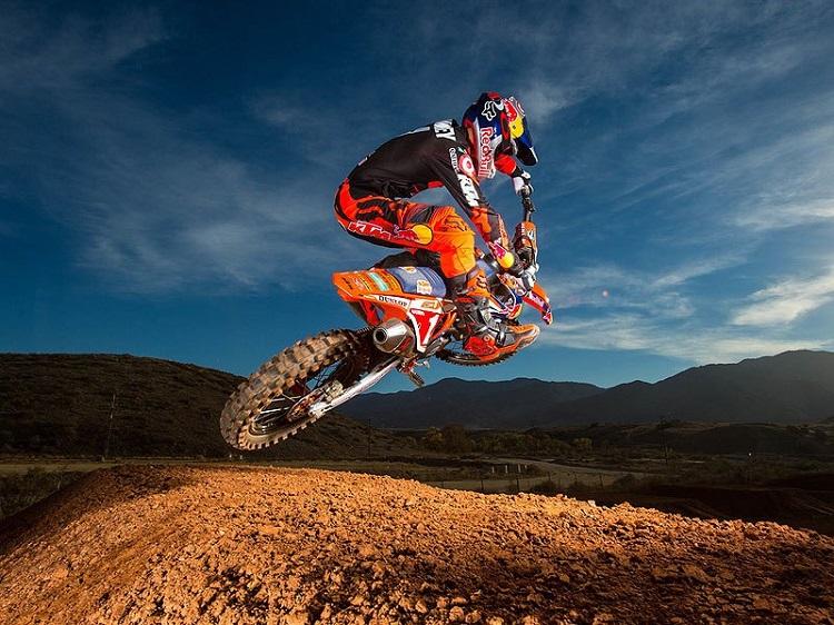 Motorcycle Mid Jump