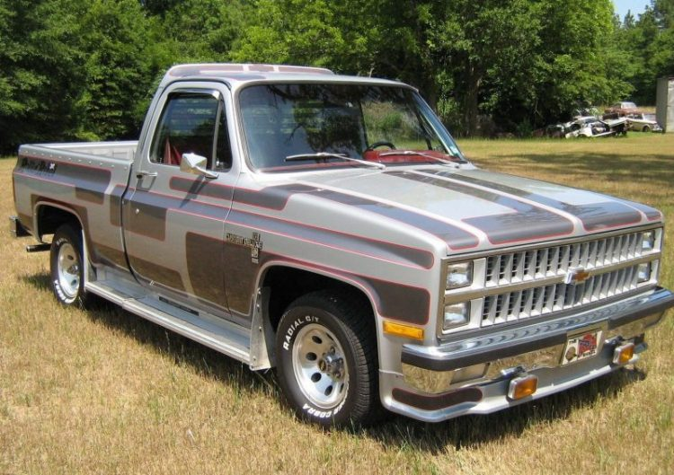 Old Truck Restoration - 1973-1987 Chevy and GMC Pickups