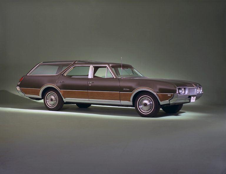 1968-1972 Oldsmobile Vista Cruiser