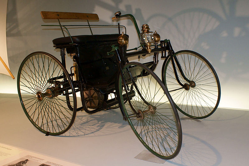 1889 Daimler-Maybach Stahlradwagen
