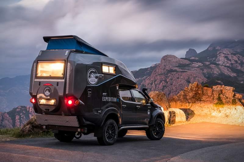 Toyota Hilux Expedition V1 Camper Rear 3/4