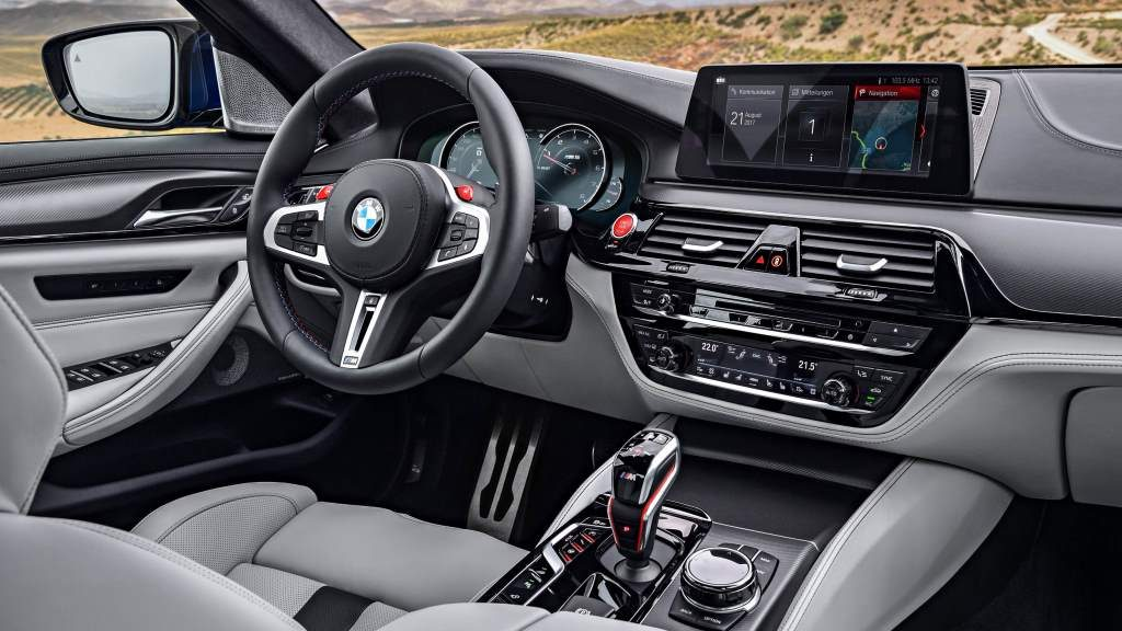 2018 BMW G30 M5 Interior