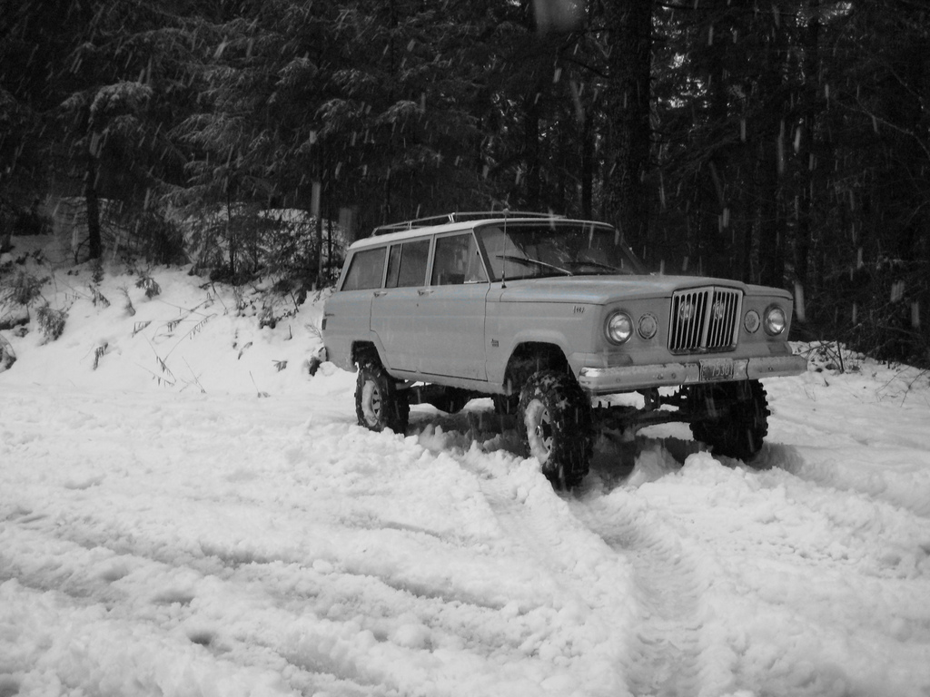 V8 Jeep engines powered the Jeep Wagoneer