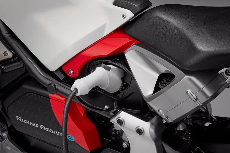Honda Riding Assist-e 7