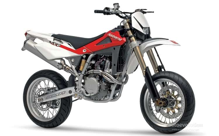 Husqvarna SM450 R - Best Supermoto Bikes 4