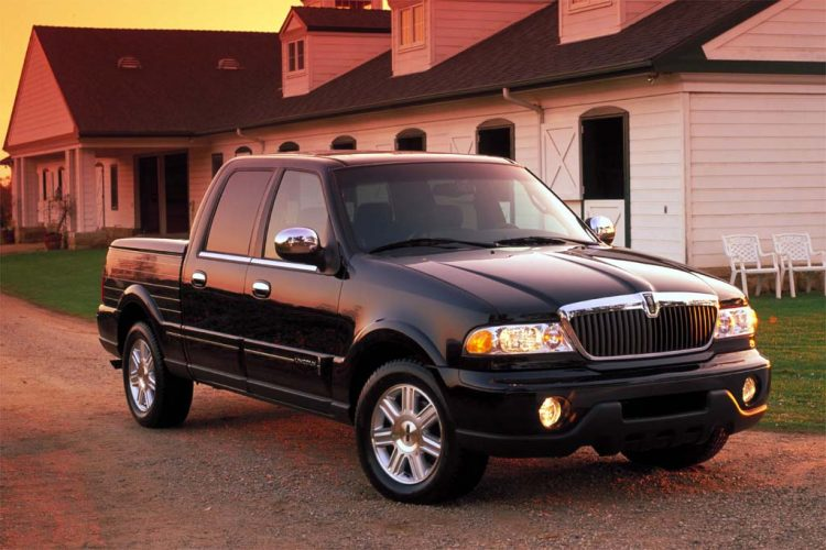 Classic Lincoln - 2002 Blackwood