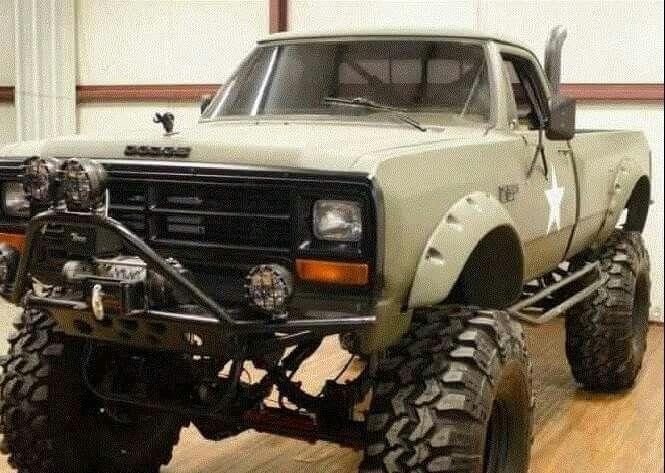 Redneck Pickup Truck - Dodge Ram (1981-1993)