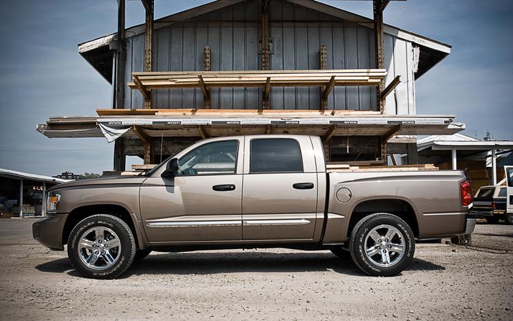 One of the best compact trucks is the Dodge Dakota/ RAM Dakota.