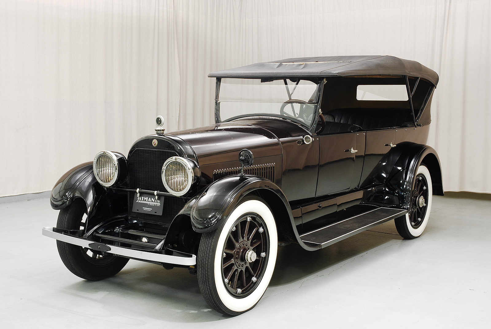 The 1924 Cadillac Type V-63 Touring is a great Cadillac convertible.