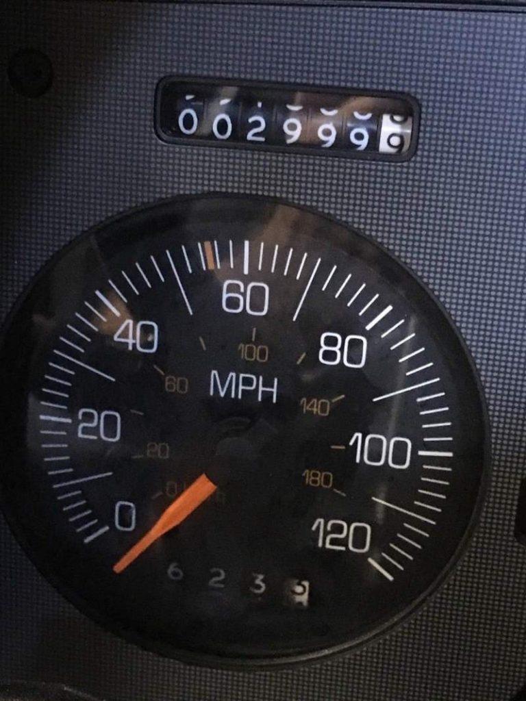 1988 Pontiac Fiero Odometer