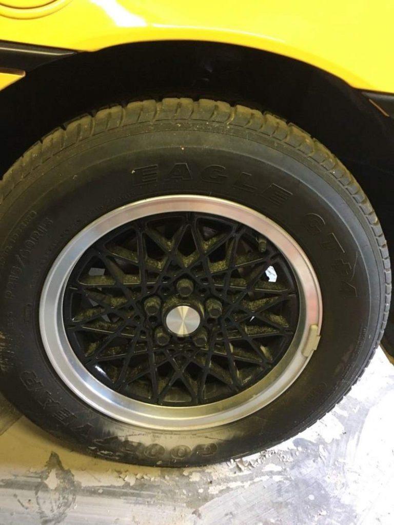 1988 Pontiac Fiero Tire