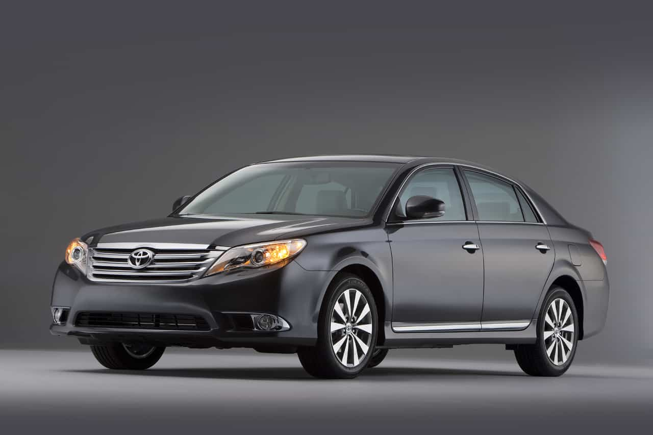 Our list of cheap luxury cars includes the 2011 Toyota Avalon