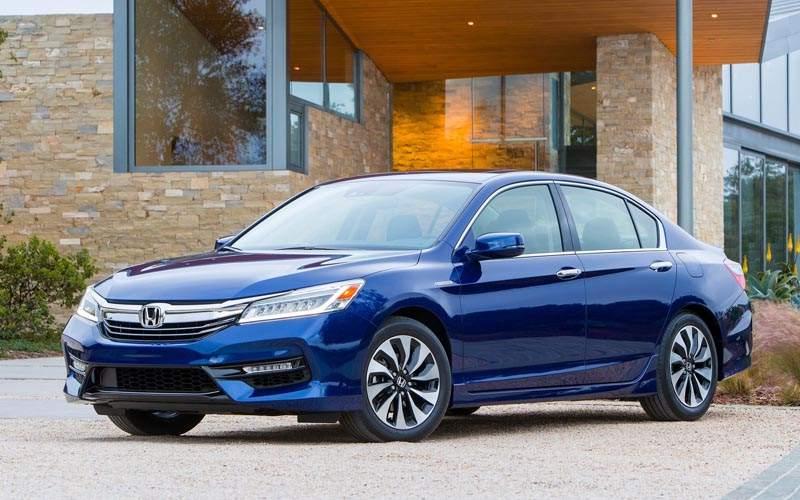 10 Best Selling Sedans of 2017 - Honda Accord