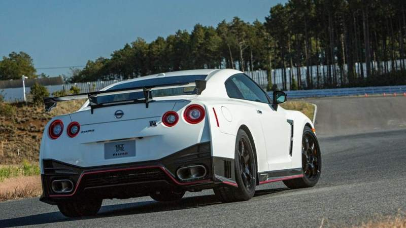 best daily driver sports car Nissan GTR