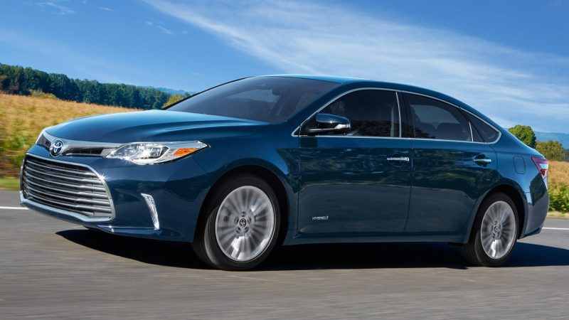 2018 Hybrid Cars - Toyota Avalon