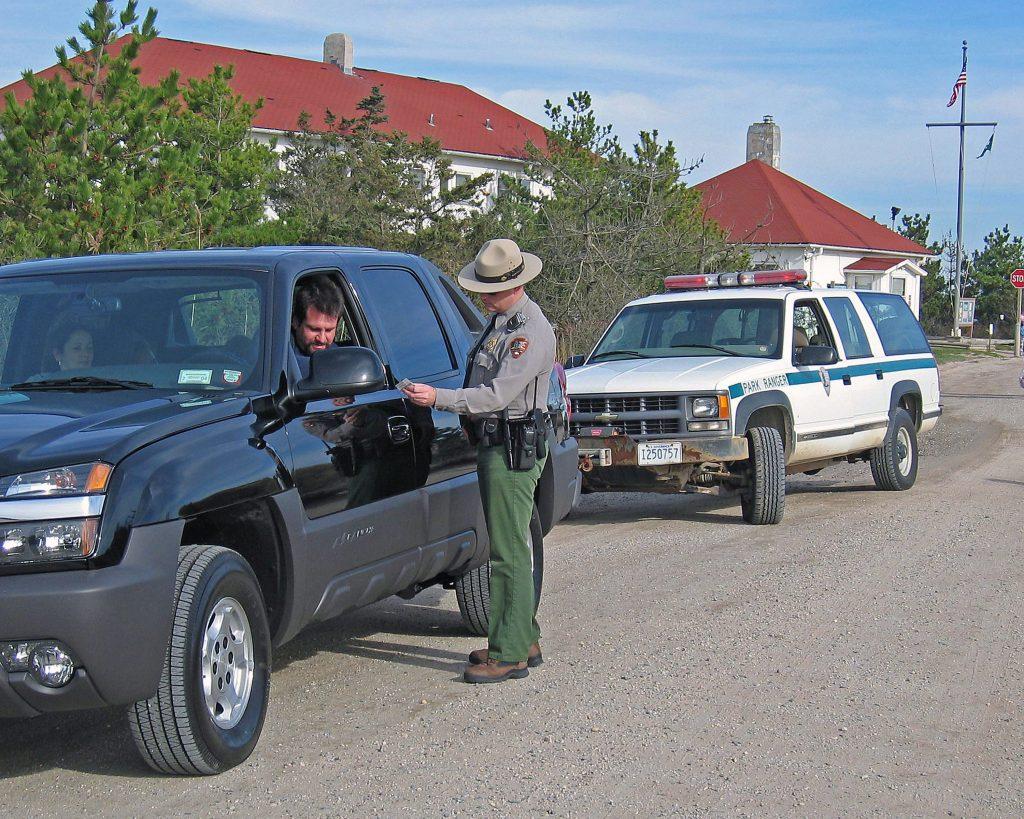 Officer pulls over driver
